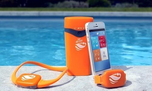 alarme de piscine no stress bracelet de s curit piscine avec application smartphone kit 1 darty. Black Bedroom Furniture Sets. Home Design Ideas
